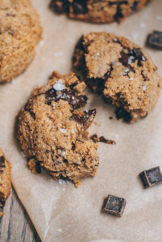 the best tahini chocolate chip cookies