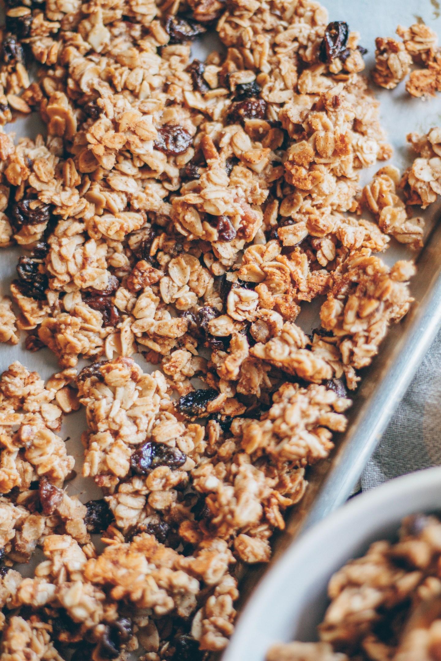 oatmeal raisin granola