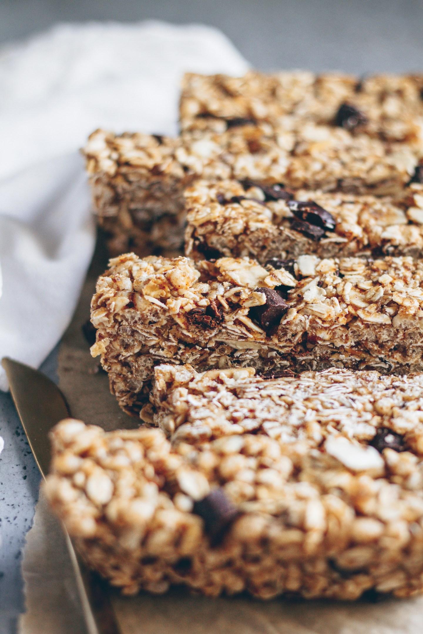 chocolate chunk almond granola bars
