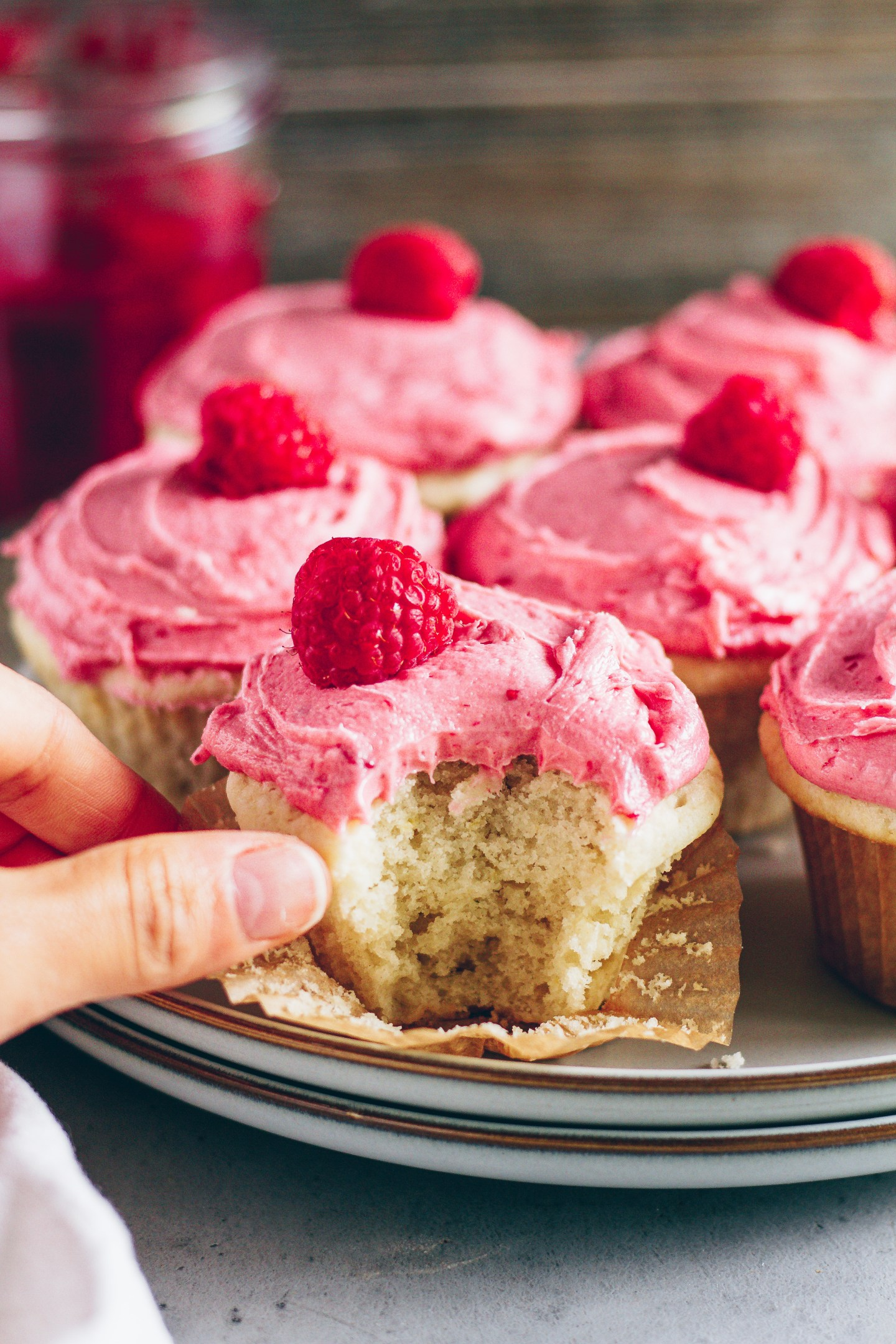 vegan lemon raspberry cupcakes